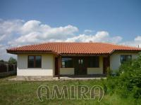 Newly built house 5 km from the beach front 1