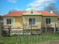 Renovated holiday home 6 km from the beach front