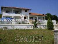 Furnished house 300 m from the beach