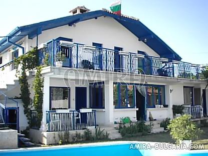 Furnished house near the beach 1