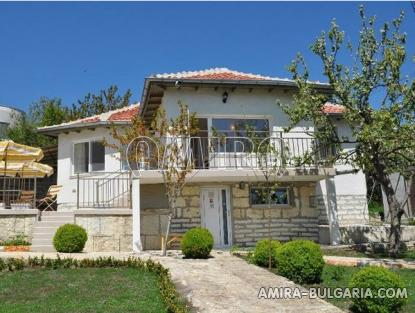 Sea view villa in Balchik front