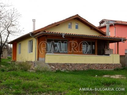 Huge sea view villa in Varna front 1
