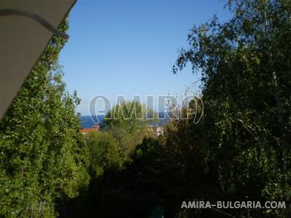 Furnished guest house 450 m from the beach sea view