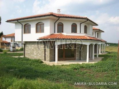 Massive 3 bedroom house 8 km from the beach front 3