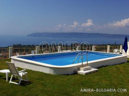 Huge sea view villa in Varna pool