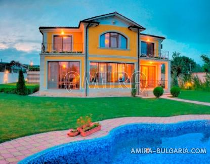 Sea view villa in Varna 3 km from the beach front 4
