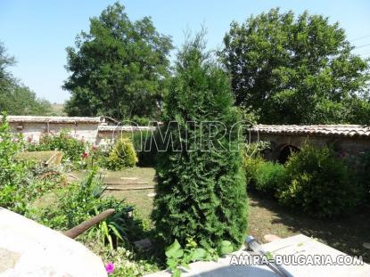 Authentic Bulgarian style house 400 m from a lake 3