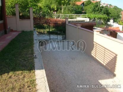 Furnished sea view villa in Bulgaria parking lots