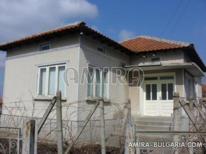House in Bulgaria 40km from the seaside front