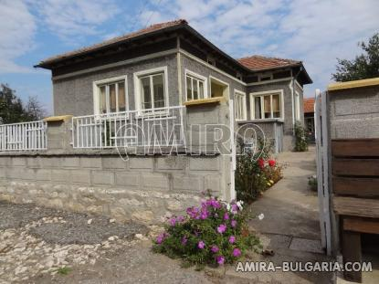 Furnished country house in Bulgaria 4