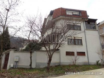 Huge sea view house in Varna 1