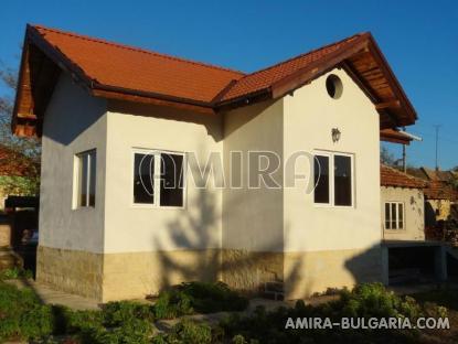 Renovated house in Bulgaria near a dam