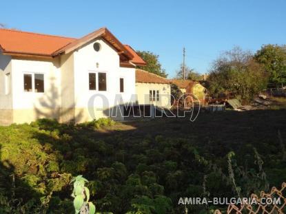 Renovated house in Bulgaria near a dam 6