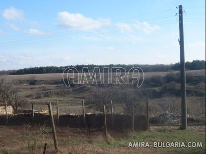 Bulgarian house with big plot 4