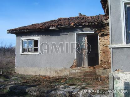 Bulgarian house with big plot 9