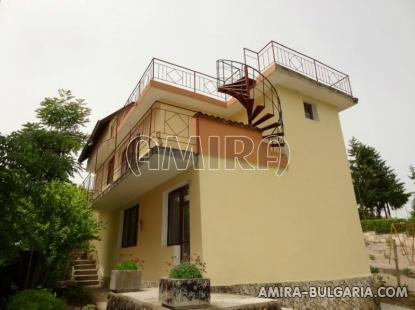 House near the Botanic Garden of Balchik 1