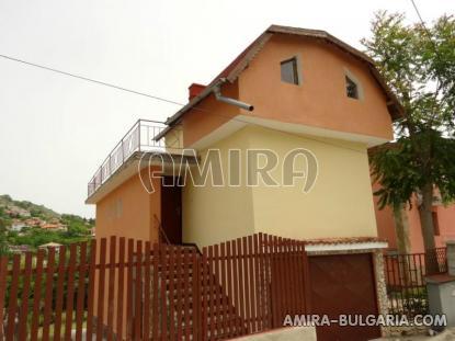 House near the Botanic Garden of Balchik 2