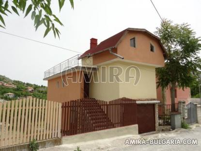 House near the Botanic Garden of Balchik 3