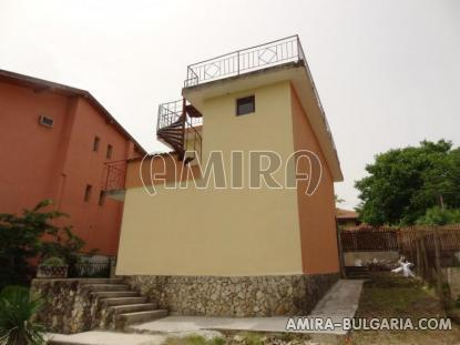 House near the Botanic Garden of Balchik 4