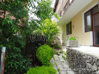 House near the Botanic Garden of Balchik 8