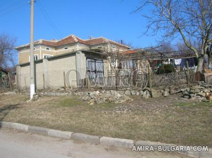 House 11 km from Dobrich Bulgaria front 4