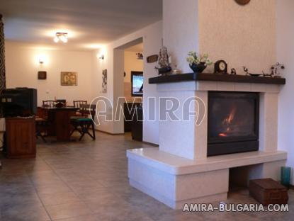 Furnished villa near the Botanic Garden fireplace