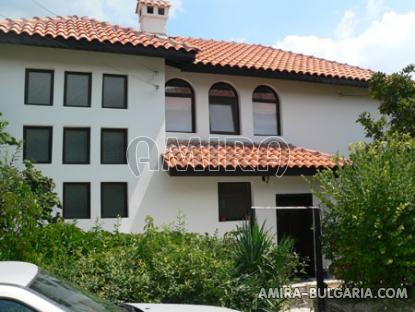 Furnished villa near the Botanic Garden front 1