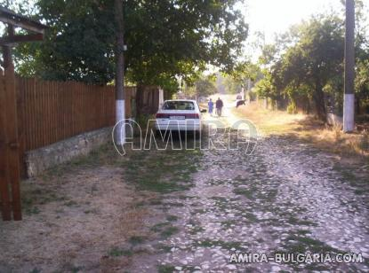 Renovated house 22 km from the beach road access