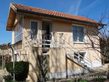 Renovated house 22 km from the beach