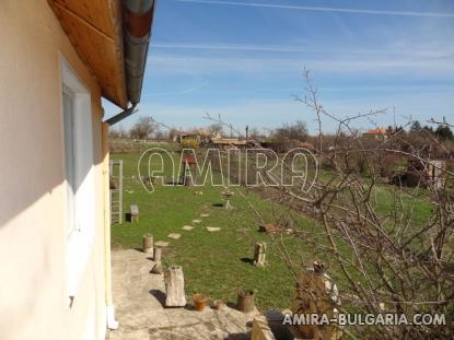 Renovated house 22 km from the beach garden 5