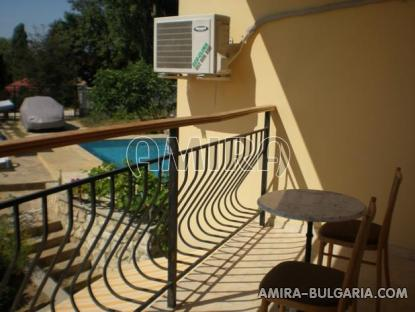 Furnished sea view villa 300m from the beach terrace